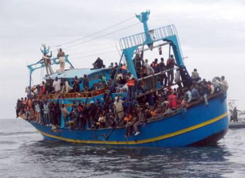 Barcone carico di migranti  (Getty Images)
