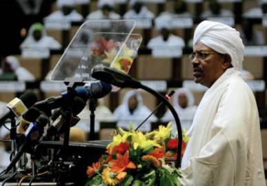 Il Presidente del Sudan Omar al Bashir al Parlamento di Khartoum (Getty Images)