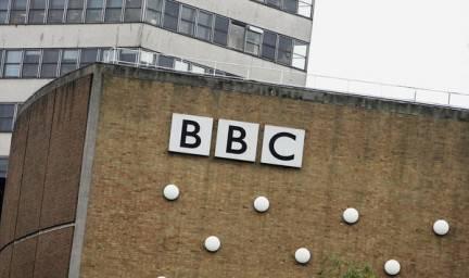 Inghilterra: denunce in arrivo alla BBC per il caso di Jimmy Savile, il presentatore accusato di pedofilia