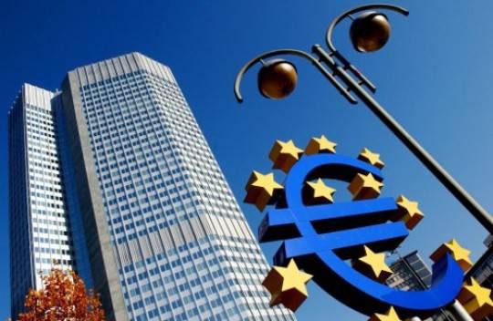 Bce: inalterati i tassi d'interesse. I mercati reagiscono bene, ma lo spred impazzisce