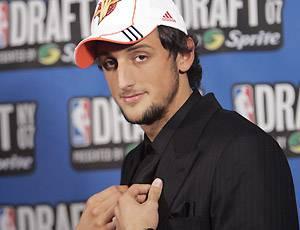 Basket, Nba: Belinelli si inchina a Bryant