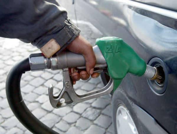 BENZINA / Aumenti, Agip, Shell e Tamoil ritoccano i listini al rialzo