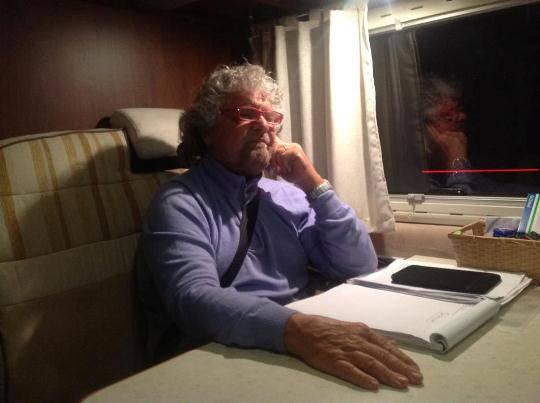 Movimento 5 Stelle stupisce tutti. Beppe Grillo propone class action e abolizione scatole cinesi in Borsa
