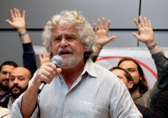Meeting di Rimini: Grillo contro Comunione e Liberazione