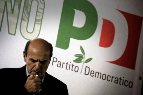 Pd, petizione dimissioni di Berlusconi: 4 milioni di moduli saranno recapitati alle famiglie italiane