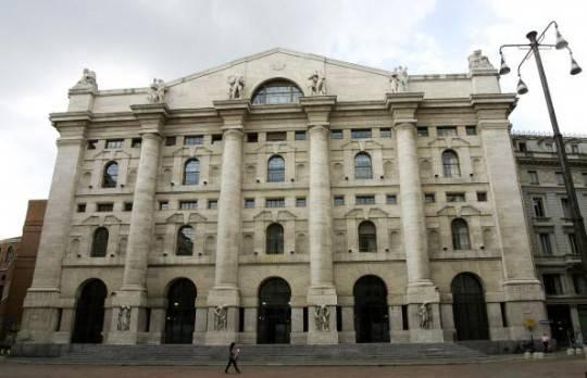 Borsa: Piazza Affari apre in negativo, spread a 406 punti base