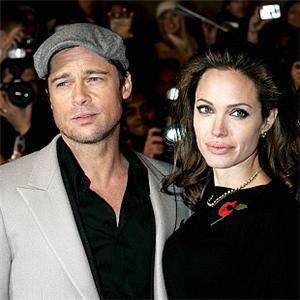 """Live, Angelina Jolie sul marito Brad Pitt: """"E' un vero uomo"""""""