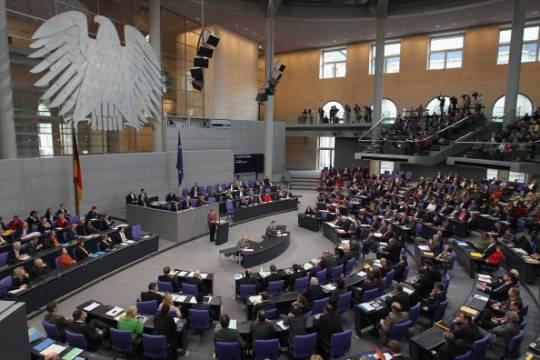 Germania: il Budenstag dice sì agli aiuti alle banche spagnole
