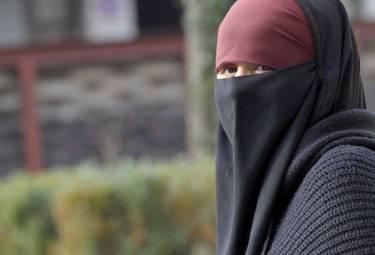 Attentato kamikaze a Khar. Forse primo caso di suicida donna