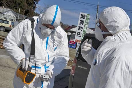 Crisi nucleare in Giappone: centrale di Fukushima continua a far paura, radioattività 100mila volte superiore alla norma