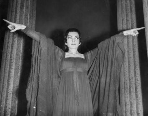 Maria Callas nel ruolo di Medea al Covent Garden di Londra nel 1959 (getty images)
