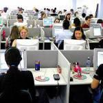 Tagli nei call center, 16mila posti di lavoro a rischio