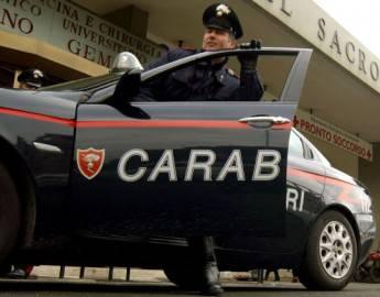 Un carabiniere e l'auto di ordinanza (Franco Origlia/Getty Images)