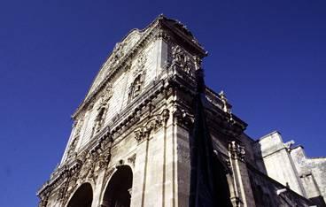 CRONACA / Sassari, giovane trovato morto davanti la cattedrale