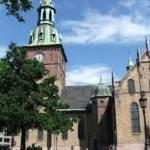 In Norvegia decine di cittadini etiopi occupano la Cattedrale di Oslo: chiedono il permesso di soggiorno