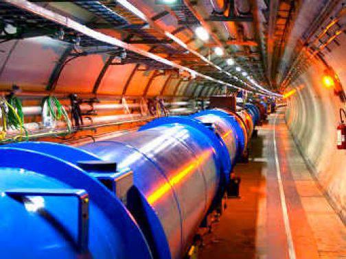 Cern di Ginevra: i neutrini non vanno più veloce della luce