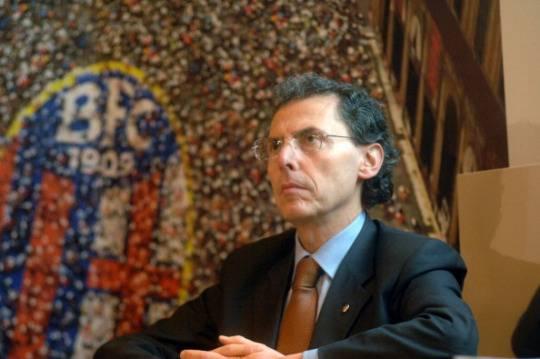 Bologna scossa dalla morte di Cevenini. Il consigliere ha lasciato diversi biglietti di addio