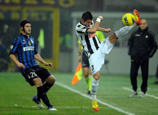 Calciomercato Inter, il Napoli tenta Chivu