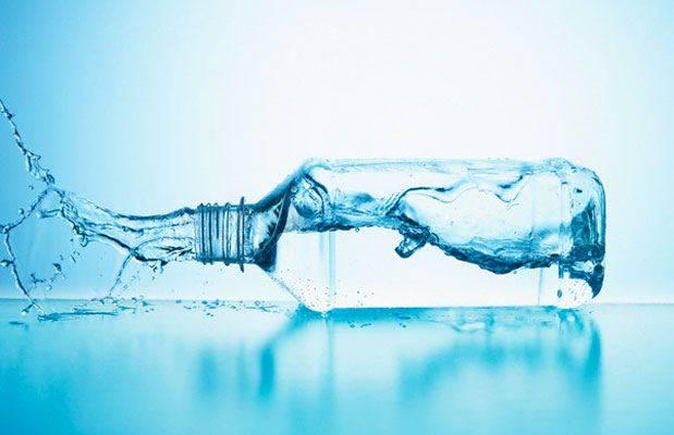 Bevete poca acqua? Ecco cosa rischiate