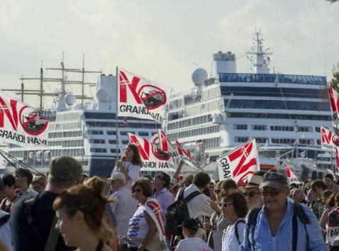 Proteste del Comitato Grandi Navi a Venezia (Getty images)