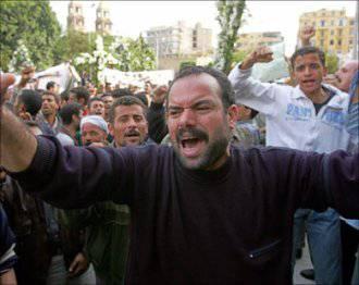 Un flirt scatena le rappresaglie di alcuni estremisti musulmani contro case di cristiani copti