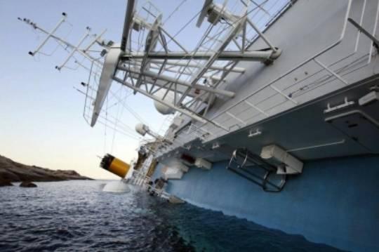 Naufragio Costa Concordia: trovati quattro cadaveri