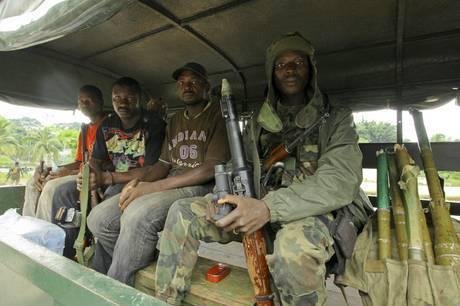 Guerra in Costa d'Avorio: Gbagbo resiste nel bunker di Abidjan, Giappone e Israele ritirano ambasciatori