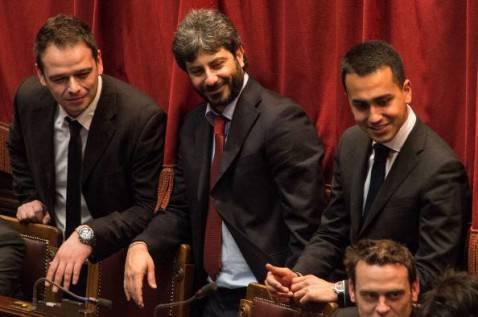 Di Maio e Fico con alcuni colleghi (Giorgio Cosulich/Getty Images)