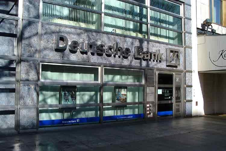 GERMANIA / Deutsche Bank, aumento di capitale-record da 10,2 miliardi di euro