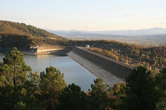 Guasto ad una diga sul Tevere in Toscana: 450 sfollati