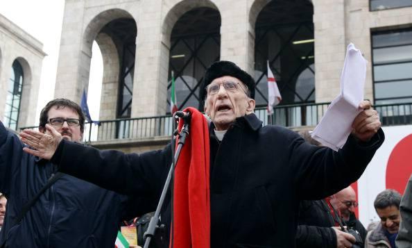 Don Andrea Gallo è grave, ansia per 'il prete degli ultimi'