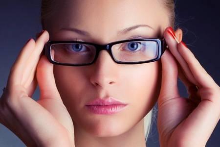 Mai più laser, ora la miopia si cura con….