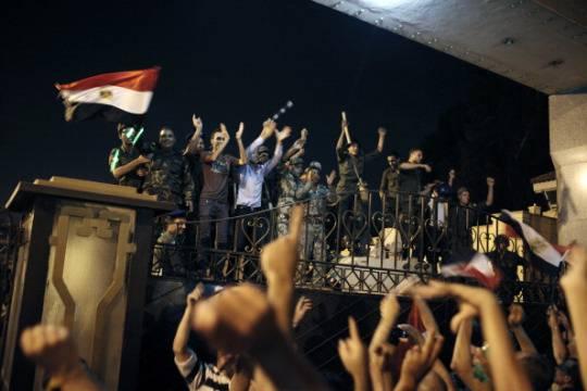 Cairo: spari all'università, tre morti