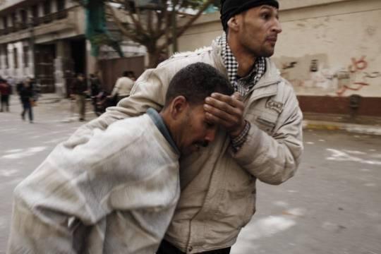 Egitto: un altro morto e centinaia di feriti oggi a Port Said