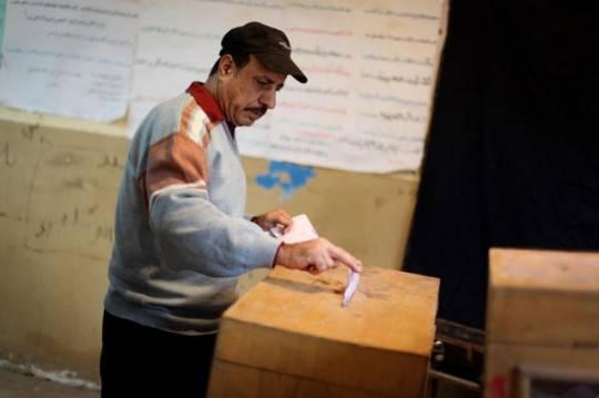 L'Egitto archivia l'era Mubarak e si schiera con i Fratelli Musulmani