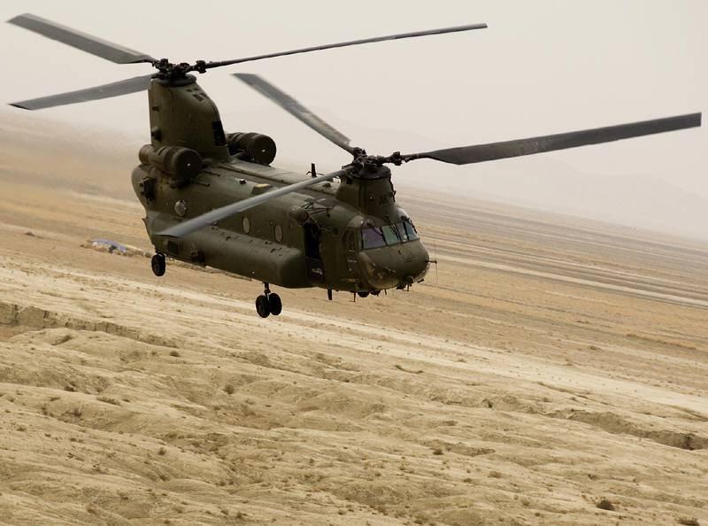 Elicottero Militare : Elicotteri militari si perdono nella nebbia atterraggio