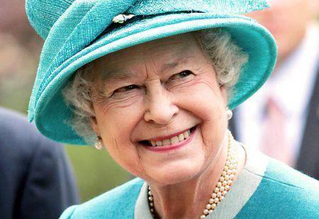 Irlanda: storica visita della Regina Elisabetta