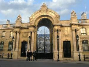 L'ingresso del Palazzo dell'Eliseo, Parigi (foto di Eric Pouhier, licenza: cc-by-sa-2.5)