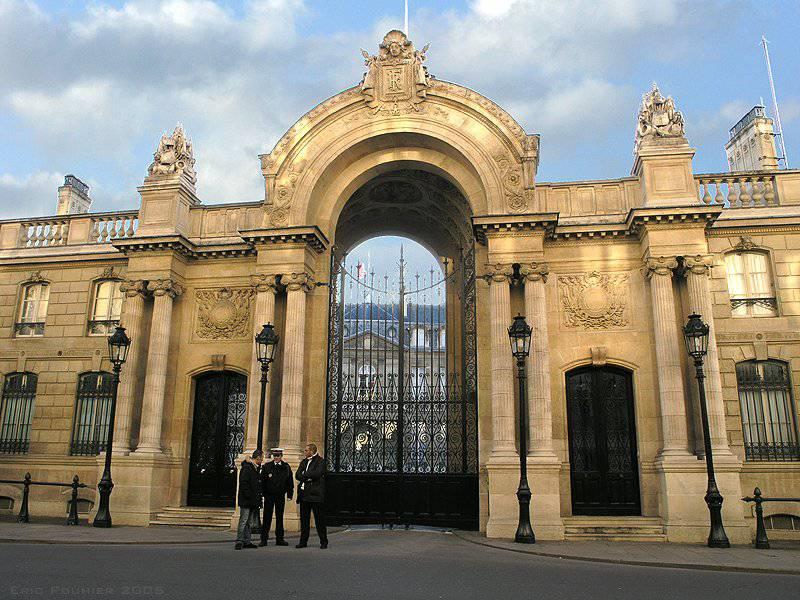 Francia, è Emmanuel Macron il nuovo Ministro dell'Economia