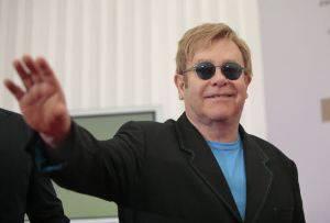 """Elton John choc: """"Per la droga ho rischiato la vita"""""""