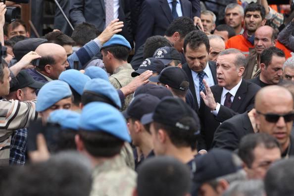 Strage della miniera in Turchia, contestato Erdogan