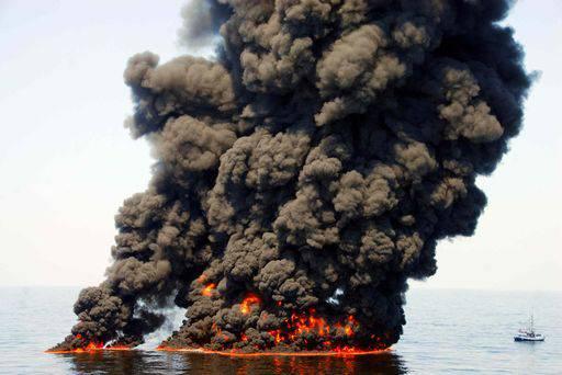 Golfo del Messico: oltre alla fuoriuscita di petrolio in mare anche tonnellate di gas