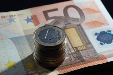 Euro, banconote e monete (Getty Images)