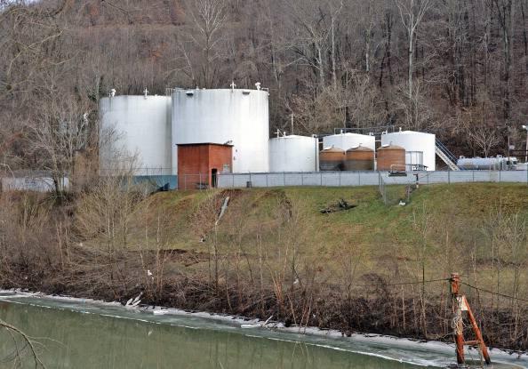 West Virginia: sostanze tossiche fuoriescono da fabbrica, acqua contaminata