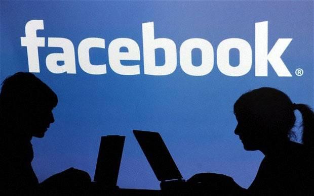 15enne suicida perchè additato come gay su Facebook. Gli amici: Andrea non era omosessuale