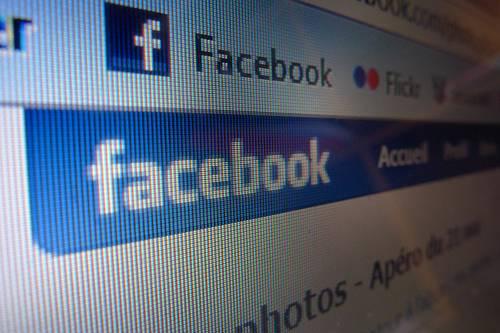 Warner Bros porta i film su Facebook