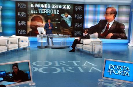 PORTA A PORTA LUNEDI' 18 OTTOBRE 2010 / Diretta live streaming, stasera puntata dell'approfondimento con Vespa