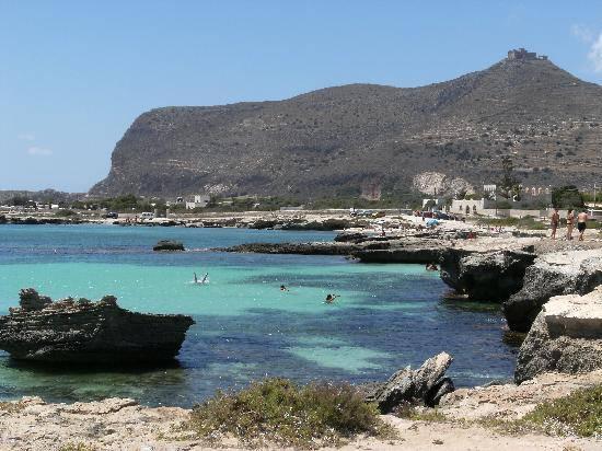 L isola di favignana una vacanza tutta mare e relax for Appartamenti sicilia
