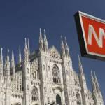 Dramma alla metro di Milano, 65enne rapinato si accascia e muore