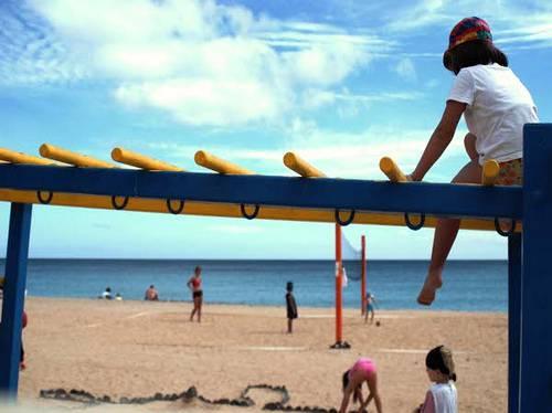 SPAGNA / Fuerteventura, entra in coma un bambino italiano sepolto accidentalmente da una montagna di sabbia